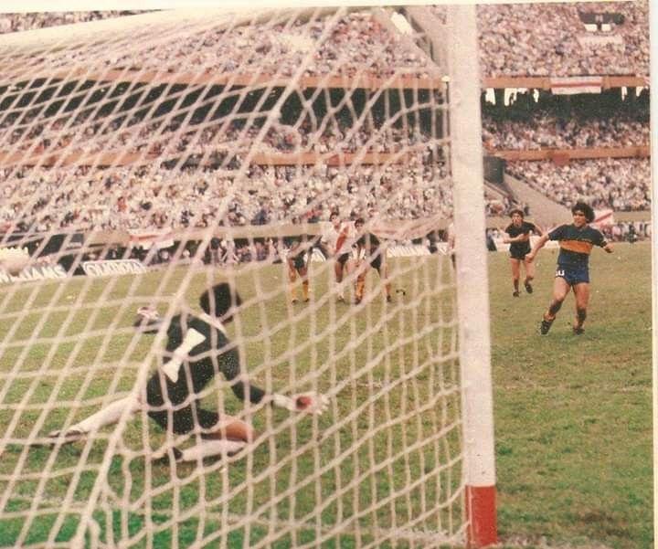 Gol De Diego Maradona Em Pato Fillol Nacional De 1981 Gol De