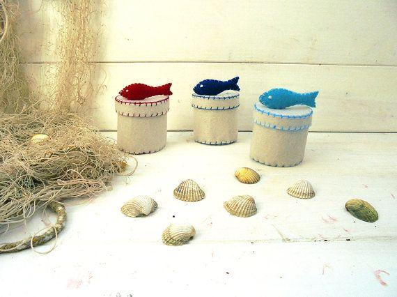 Scatoline di feltro con pesce bomboniere nautiche di carohandmade