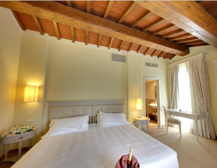 Ge the atmosphere! Hotel Certaldo in Tuscany, in the middle between Florence and Siena, away from the crowd and in the heart of beauty! #tuscany #hotel #hotelcertaldo #certaldo www.hotelcertaldo.it