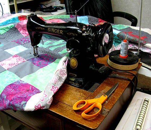 8be48043c7f23d4226780b8f89511ebd vintage sewing machines singer 65 best singer 15 91 quilter's dream images on pinterest singers singer 15 91 wiring diagram at bakdesigns.co