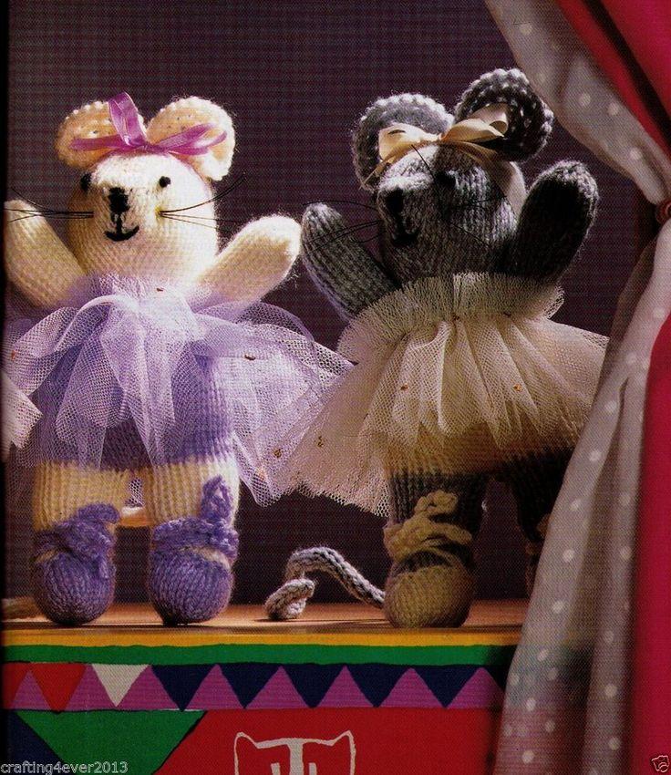 CHRISTMAS THE NUTCRAKER BALLET MICE GIRLS-TOYS- 26CMS TALL-8PLY KNITTING PATTERN