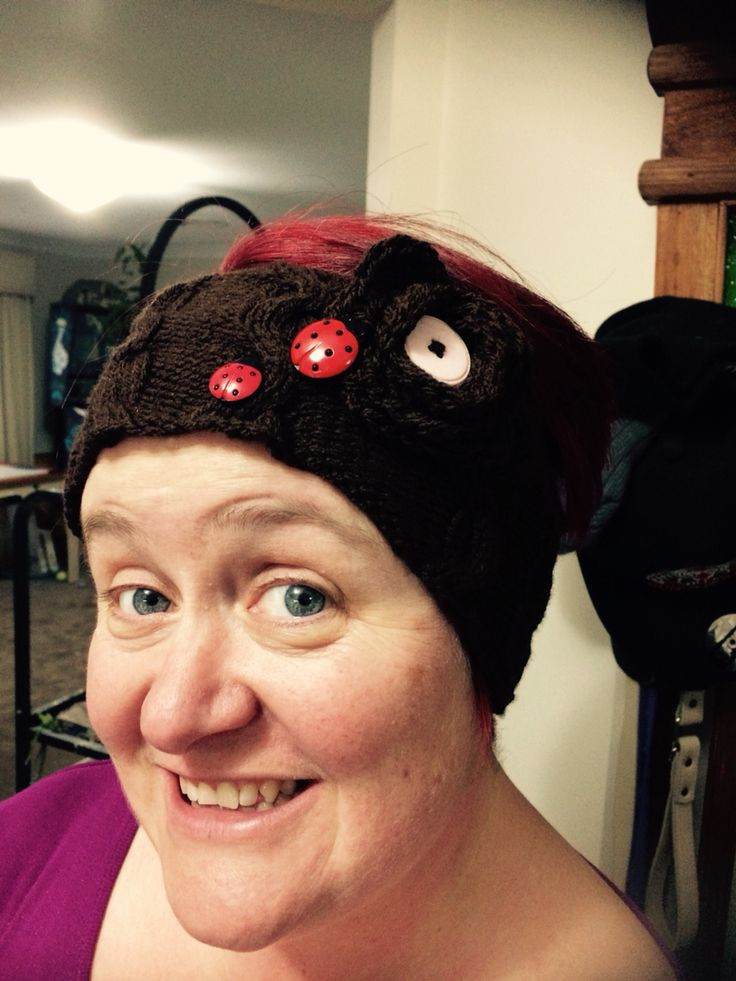 Latest headband/ear warmer for my girlfriend. This time I added a button in the middle of the flower. I also found these gorgeous ladybirds in my button stash that I added as though they were investigating the flower! Too cute! Used a simple 6 stitch cable for the knitting pattern.