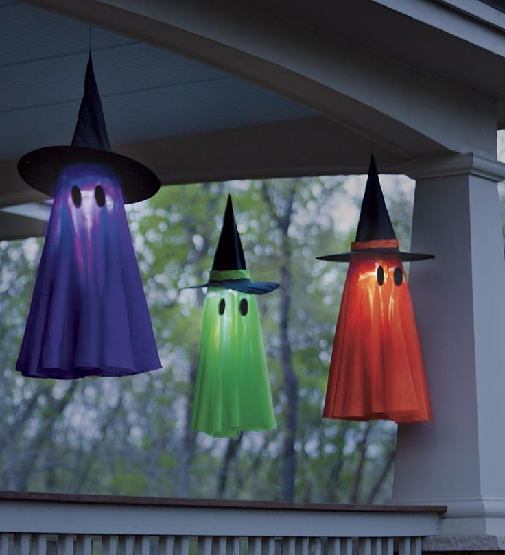 Halloween party decr: Light-Up Ghostly Witches