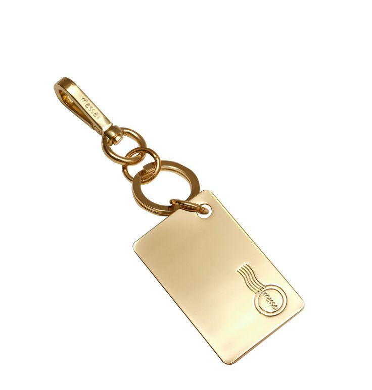 "messei _Model ""goldi key"" without text"