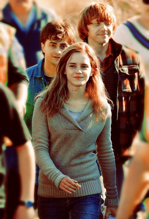 Emma Watson, Daniel Radcliff, & Rupert Grint From : Hogwartsismyrealhome