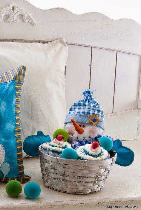 Muñeco de nieve  en cesta