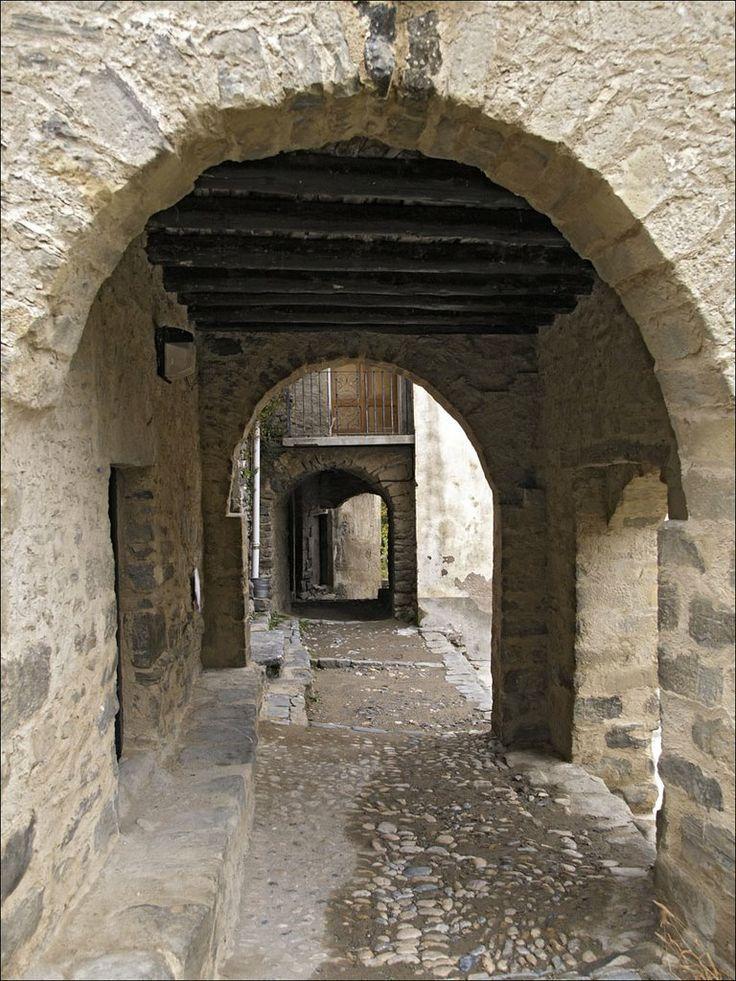 71011-031 MONTAÑANA (Huesca) Spain