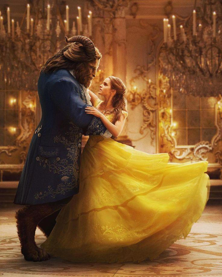美女と野獣 / Beauty and the beast  一足先に試写会にて、鑑賞してきました。 ずっとずっと、ずーーーーっと楽しみにしていた本作😭 文句なしの星5つです!!!😭😭 期待通り、期待以上、最高の作品でした💋 劇中何回泣いたか分からない! ザ・ディズニー映画だからこそ観終わった後の幸福感はハンパじゃない😊 「人と違う」ことに傷つき苦しみ心を閉ざす野獣と「人と違う」ことを自分の魅力に変えるベル。 そんな2人の心が通った時のダンスシーンには、涙が自然とこぼれてきて…😢 2人も見守る使用人たちにもほっこり♡ 見た目が怖い野獣が、あんな見た目しつつも使用人たちの言うことはちゃんと大人しく聞くあたりが本当に愛おしかった😹❤ 声優群があまりにも豪華で、最後人間の姿に戻るシーンが大興奮(ここでも泣いたw) 使用人たちがベルを迎える「Be Our Guest」のシーンは最高!!!サントラリピートで聴いてます!! 話題にもなった、ガストンの子分ル・フウが映画ではゲイという設定☝🏻 これは、言われないと分からないかも🤔 さりげな~く盛り込まれています。…