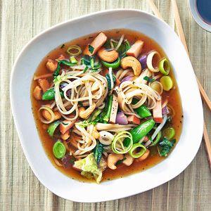 Recept - Noedelsoep met kip en cashewnoten - Allerhande Maar dan met slim pasta!