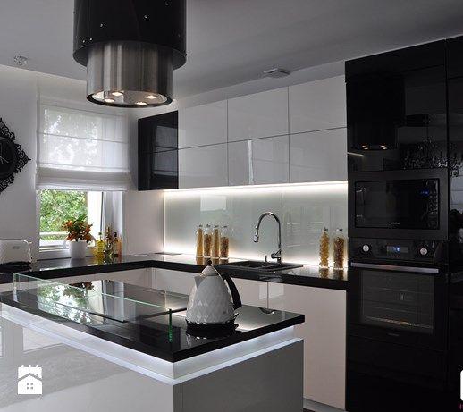 Średnia otwarta kuchnia w kształcie litery l z wyspą, styl glamour - zdjęcie od CUBE Interior Design