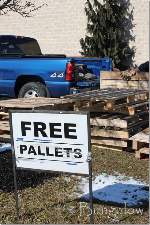 How To Disassemble A Pallet + How To Transfer Letters Onto Pallet Wood. Pictures show how to easy it is.