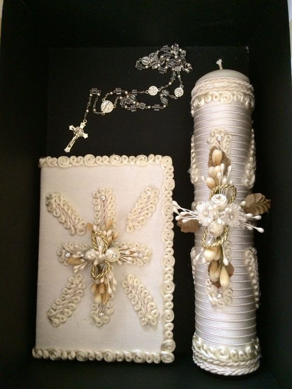 This elegant set Holy Communion handmade gift set will make a wonderful present for that special day. The package includes a candle, bible , rosary.