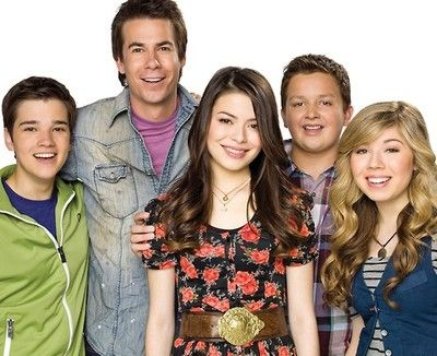 Icarly's last episode is on tonight at 8