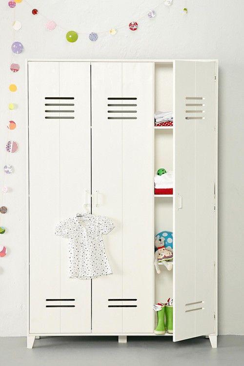 Op onze wishlist: vtwonen 3-deurs lockerkast - Homedeco.nl