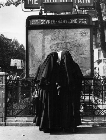 Sèvres - Babylone  1953 Robert Doiśneau