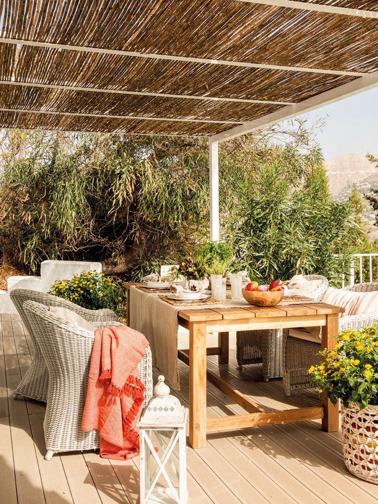 Casa reformada en Málaga con aire rústico contemporáneo