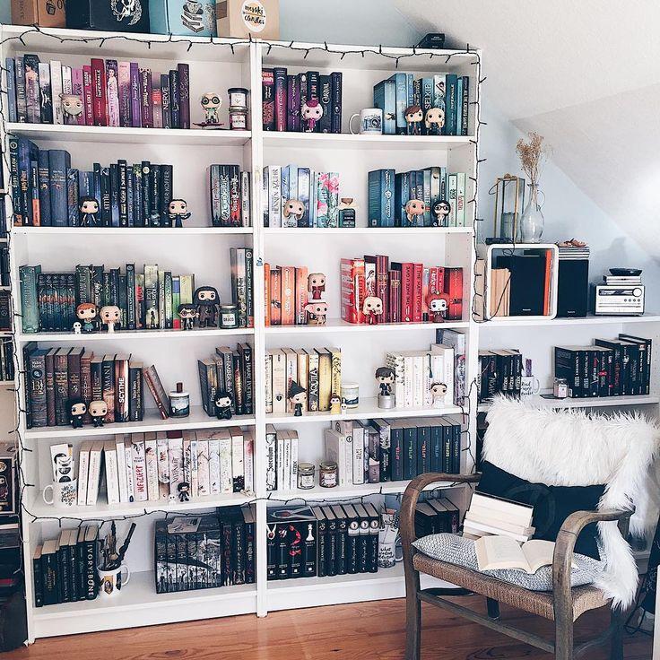 """4,262 aprecieri, 46 comentarii - nils ☕️✨ (@bunteschwarzweisswelt) pe Instagram: """"Sortiert ihr eigentlich manchmal euer Bücherregal aus? Ich habe letztens viele Bücher…"""""""