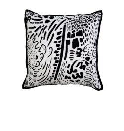 pompom-cushion-black
