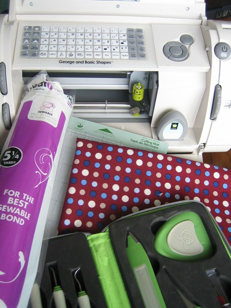 Expect Moore: Using Cricut to Cut Fabric: Cricut Scrapbook, Cricut Ideas, Crafts Ideas, Cricut Crafts, Cricut Fabrics, Cut Fabrics With Cricut, Cricut Projects, Cricut Silhouette, Expectations Moore