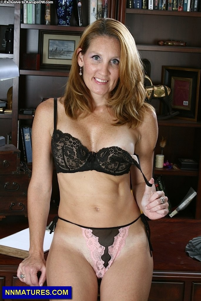 bellarthur milf women Watch mature & milf sexy women ass, pussy, legs - 152 pics at xhamstercom xhamster is the best porn site to get free porn pictures.