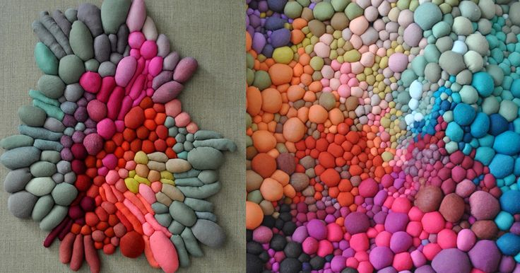 Chilean textile artistSerena Garcia Dalla Veneziacreates thoughtfully composed arrangements of hand-sewn fabric balls, producing texture and depth by grouping together dozens of differently sized and shaped spheres. Appearing almost like organic growths, her works seem to be transforming before yo