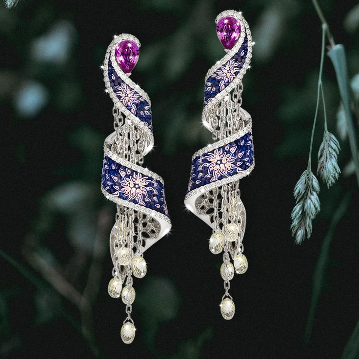 Willow is a charming plant and it is said that it bent its branches to listen to a stream's words. We got inspired by this legend to create our newest Willow earrings.