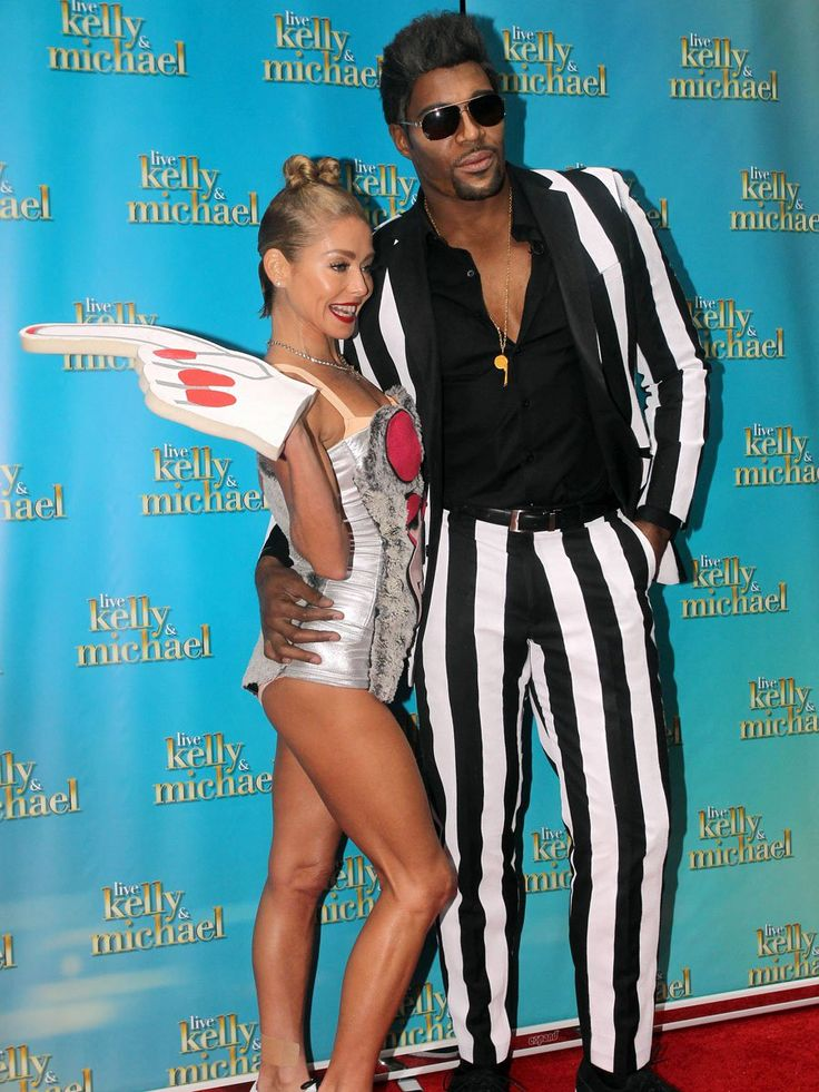 kelly-ripa-miley-cyrus-costume