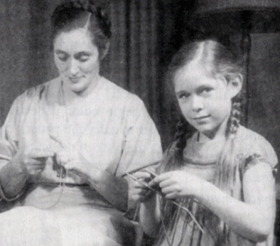 elizabeth zimmermann and meg swansen knitting