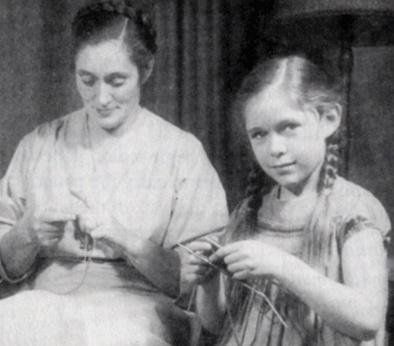 elizabeth zimmermann and meg swansen knitting