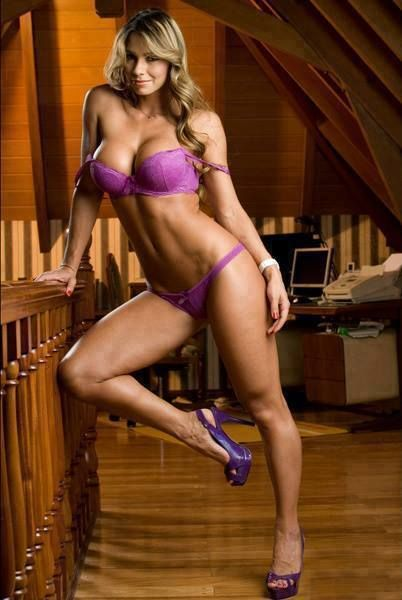 The Neighbors Wife Opens The Door Dressed Like This? (Photo Gallery) - Likes