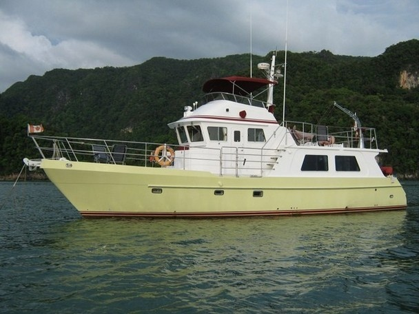 Live Aboard Trawler To Go Anwherehome On The Water