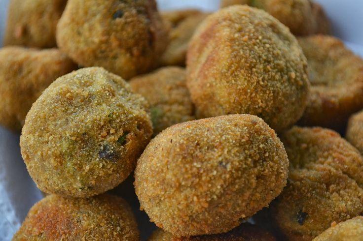 05/03/13  Mais um opção irresistível para ocasiões especiais....     5 batatas médias   1 beringela média   1/4 de abóbora japonesa (Kaboc...