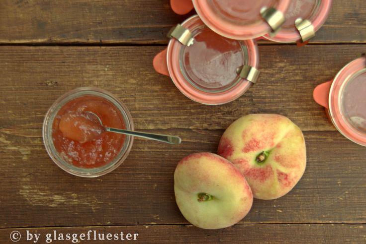 Glasgeflüster: Holunder-Wildpfirsich-Marmelade