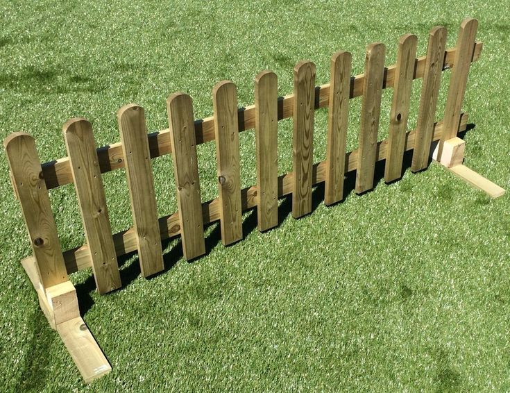 Portable Freestanding Smooth Treated 6ft Picket Fence
