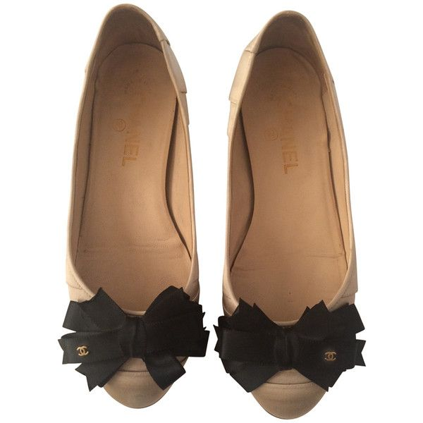 Pre-owned Ballerinas with kitten heel ($390) ❤ liked on Polyvore featuring shoes, flats, cream, ballet flats, ballerina flats, ballet shoes, cream shoes and kitten heel shoes