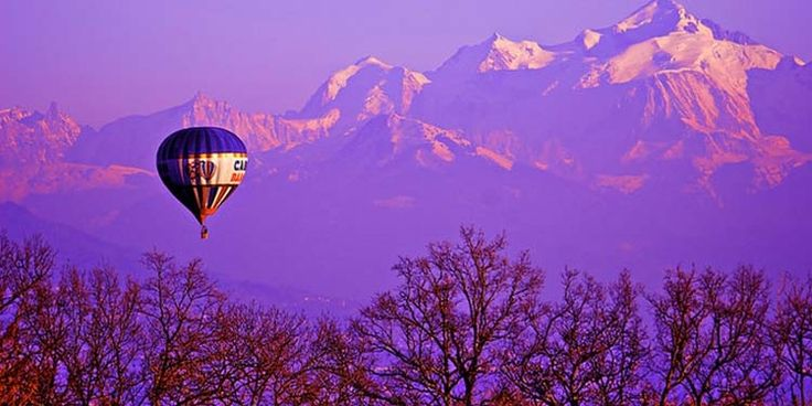 Il 1 marzo 1999, Bertrand Piccard e Brian Jones, a Chateau d'Oex in Svizzera, iniziarono il loro viaggio a bordo di una mongolfiera, la Breitling Orbiter 3, tentando di compiere la circumnavigazione del globo. Atterreranno 20 giorni dopo in Egitto, diventando i primi uomini a riuscire nell'impresa.