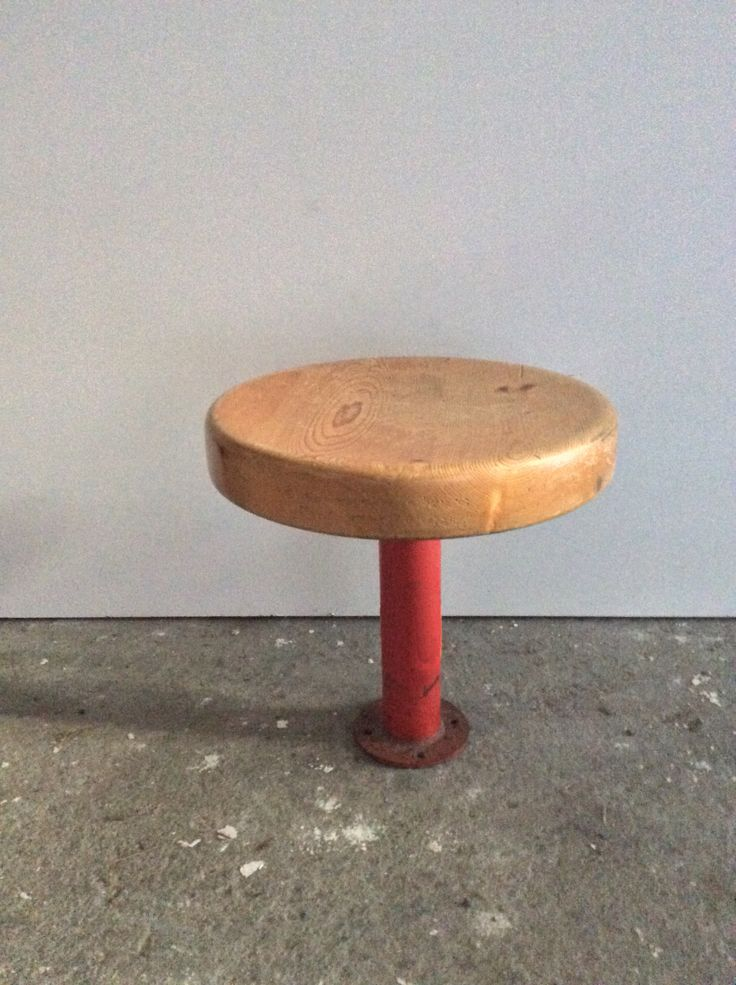 Kindergarten Stool from Les Arcs by Charlotte Perriand  red lacquered metal base and pine wood seat provenance Les Arcs, Savoie