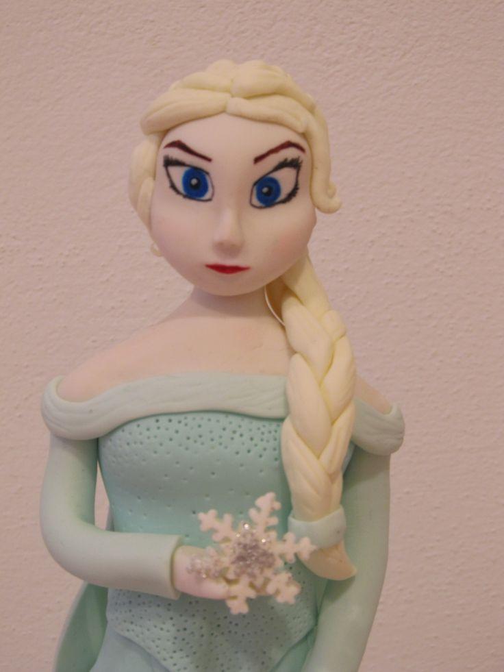 #Elsa di #Frozen con #treccia e #fiocco di #neve