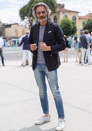 紺ダブルジャケット×ジーンズの着こなし【春】(メンズ) | Italy Web