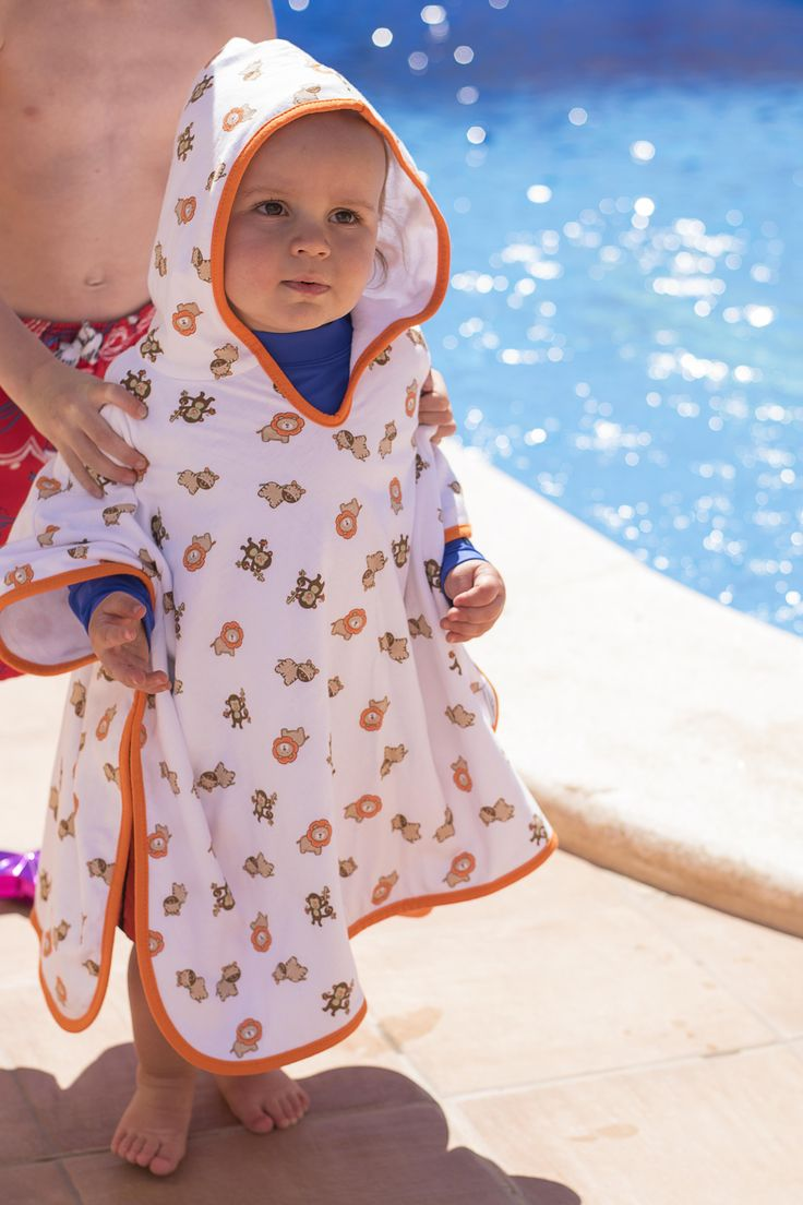 Hooded Poncho Zoo Animal Size: 1-3 years This cute bath poncho features an all-over zoo print design and is perfect for bath time, swimming lessons and covering up on the beach!   Make it personalised by adding name embroidery! #babyswimming #beachbaby #bathtime #babytowel #poncho #zootheme