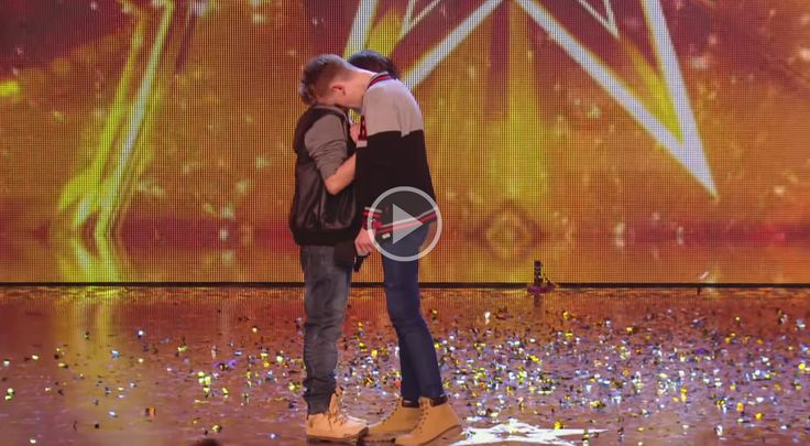 Emocionante vídeo de dos niños que cantan contra el bullying