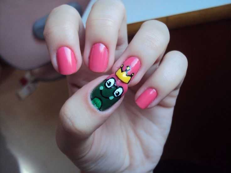 Pretty Pink Polish Nail Art With The Frog And The Crown Nail Art