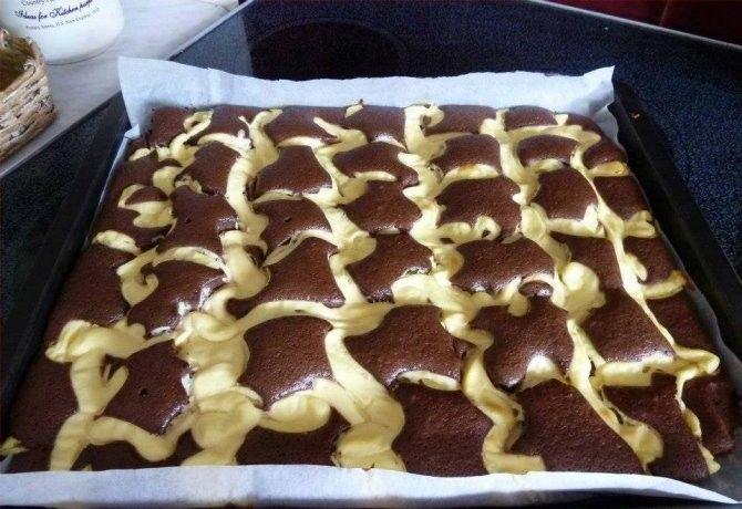 Kakaós piskóta vaníliapudinggal recept képpel. Hozzávalók és az elkészítés részletes leírása. A kakaós piskóta vaníliapudinggal elkészítési ideje: 40 perc
