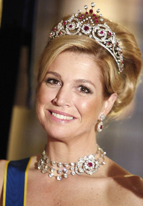 A look at the tiaras Princess Maxima may wear to the Dutch inauguration - Photo 1