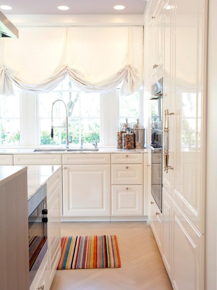 Designer Linda McDougald Cooked Up A Kitchen Remodel With State Of The Art Appliances Plenty Storage And Nature Inspired Palette To Suit Dreams