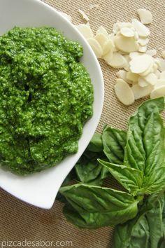 Pesto de espinaca y albahaca | http://www.pizcadesabor.com/2013/03/21/pesto-de-espinaca-y-albahaca/