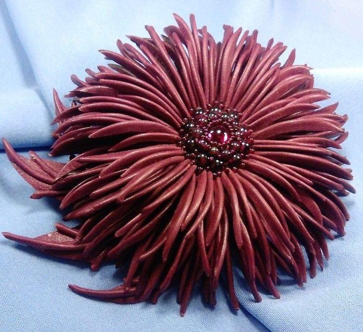 """Купить """"Вечерний свет"""" Бордовый цветок натуральная кожа гранат - бордовый, брошь-цветок"""