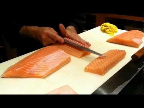 Corte y despiece del salmón al estilo japonés por David Juarez de Restaurante Tsunami
