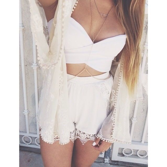 All white Cute- Girly Outfit White bustier, kimono, shorts with lace. Follow me! ☺️