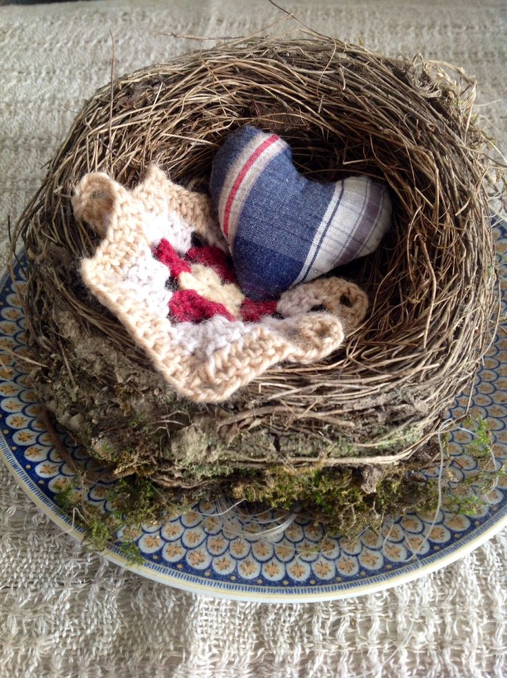 Nest and crochet
